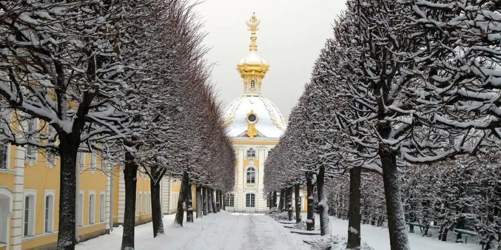 Festive St. Petersburg & Moscow