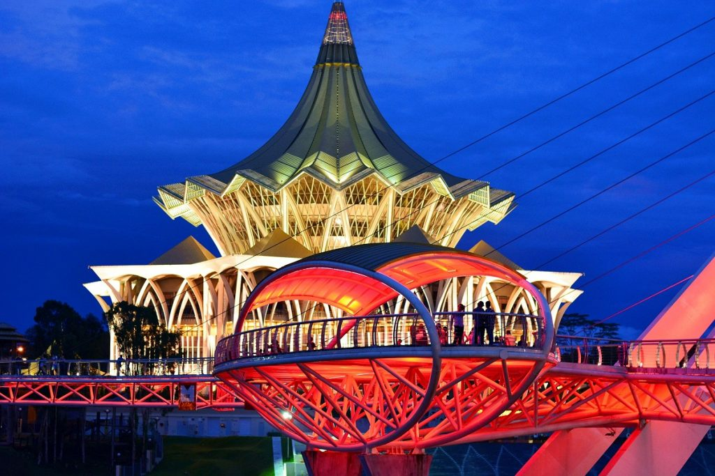 6D5N Kuala Lumpur/ White Water Rafting / Fireflies & Kuching Wildlife & Culture