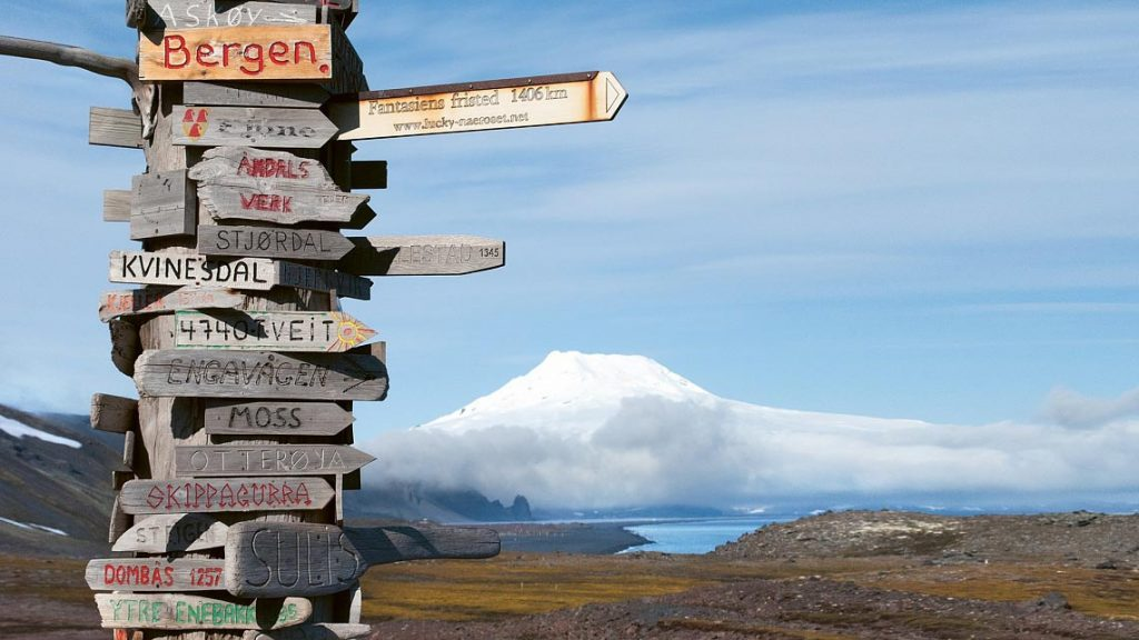 Crossing the Arctic Circle, Jan Mayen & Spitsbergen - From the Highlands to the High Arctic
